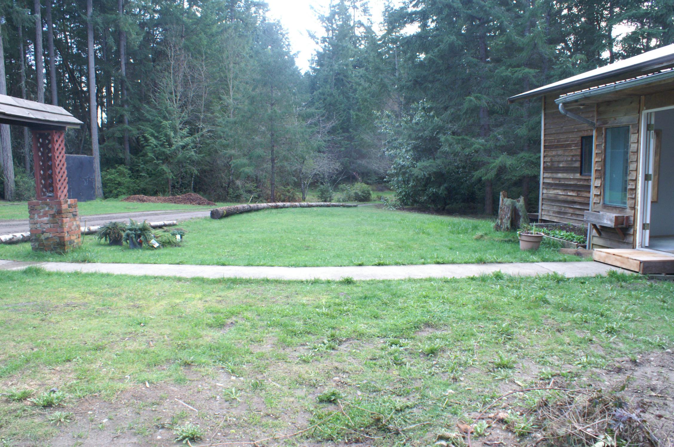 barn - front yard 2009